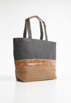 STYLE REPUBLIC - Woven PU shopper bag - black & tan