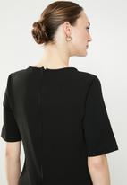 edit - Short sleeve pencil dress - black
