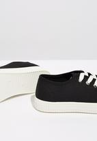 Cotton On - Canvas creeper plimsoll - black