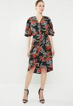 edit - Knot front dress with flutter sleeve - multi