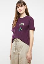 Jacqueline de Yong - Bugs short sleeve embellished top - purple