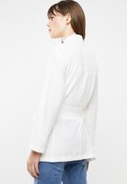 STYLE REPUBLIC - Self-tie soft blazer - white