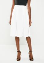 edit - Midi skirt with knife pleats - white