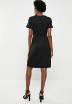 edit - Short sleeve dress wIth draw-cord - black
