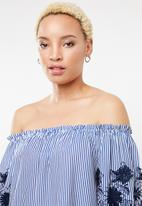 STYLE REPUBLIC - Embroidered bardot dress - blue