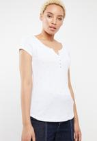 c(inch) - Button down T-shirt - white