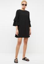 STYLE REPUBLIC - Frill sleeve dress - black