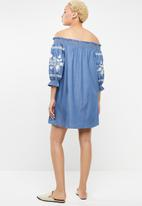 STYLE REPUBLIC - Embroidered denim bardot dress - blue