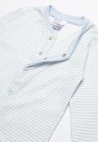 POP CANDY - Baby boys sleepsuit - blue & white