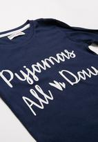 MINOTI - Teens all day long sleeve pyjama set - navy & white