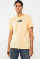 Hurley - One & only small box tee - peach