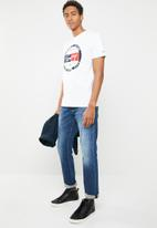 Tommy Hilfiger - Tjm circle graphic tee - white