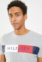 Tommy Hilfiger - Stripe hilfiger tee - grey