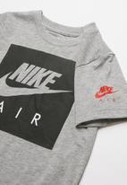 Nike - Nkb Nike Air box logo short sleeve T-shirt - grey