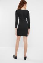 Superbalist - Long sleeve dress with pleats - black