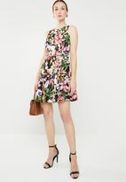 Revenge - Sleeveless pleated floral dress - multi