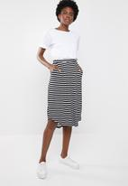 edit - Fit and flare skirt - black & white