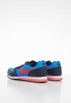 Nike - Nike md runner 2 bg - photo blue & brt crimson