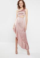 Missguided - One shoulder satin cut out maxi dress - pink