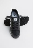 adidas Originals - Forest grove j - grey/white/grey six