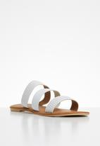 edit - Leather studded sandals - white
