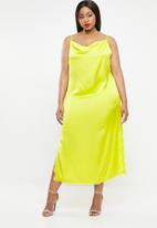 Missguided - Curve satin lace side split midaxi dress - green