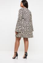 Missguided - Curve flare sleeve leopard skater dress - multi
