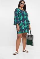 STYLE REPUBLIC PLUS - Tropical tunic dress with V-neck - navy & green