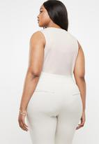 STYLE REPUBLIC PLUS - Wrap bodysuit - beige