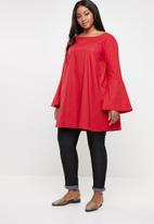 STYLE REPUBLIC PLUS - Easy fit tunic - red