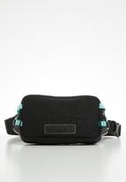 PUMA - Puma x diamond crossbody bag - black & blue