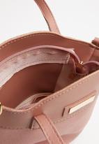 BLACKCHERRY - Jemma cross body bag - pink