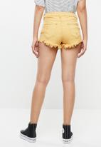 Supré  - LA destroyed shorts - yellow