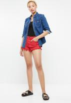 Supré  - LA destroyed shorts - red