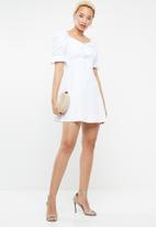 Missguided - Milkmaid puff sleeves mini dress - white