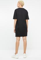 c(inch) - T-shirt dress - black