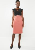 edit - Pencil dress with covered belt - black & pink