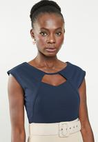 edit - Pencil dress with covered belt - navy & neutral