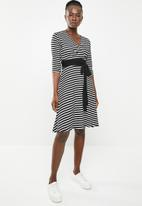 edit - 3/4 sleeve fit and flare dress - black & white