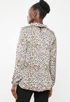 edit - Lantern sleeve blouse - cream & brown