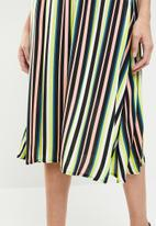 STYLE REPUBLIC - Gauged skirt - multi