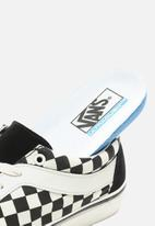Vans - Vans UA Bold Ni - (Checkerboard) black/marshamllow