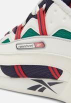 Reebok Classic - Workout Plus Alter The Icons 3.0 - chalk/skull grey/heritage navy