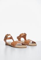 POP CANDY - Buckle detail sandal - tan