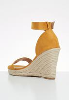 ONLY - Amelia heeled cap sandal - yellow