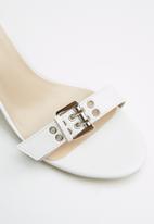 Public Desire - Thunder heel - white