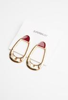 Superbalist - Hammered oval earrings - gold & red