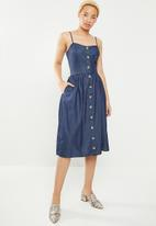 STYLE REPUBLIC - Fit and flare front button dress - blue