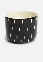 Urchin Art - Ayo coco pot - black & white