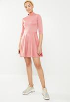 c(inch) - Fit and flare turtleneck dress - pink